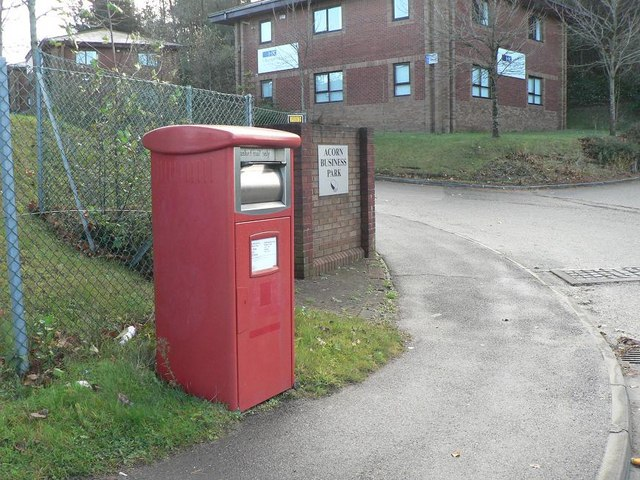 Canford Heath: postbox № BH12 600, Ling Road