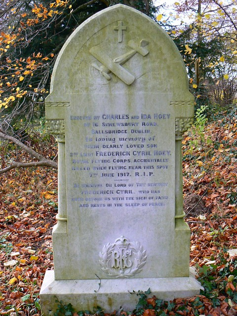 Royal Flying Corps grave, All Saints, Yatesbury