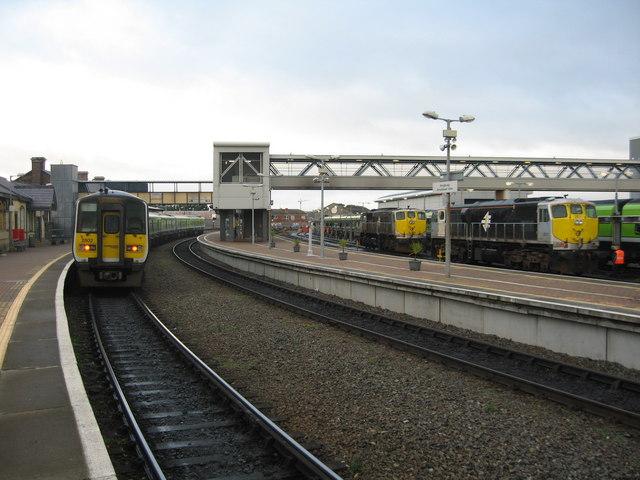 Railcar and locomotives at Drogheda station