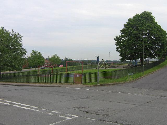 Tillingbourne Green Recreation Ground, Poverest