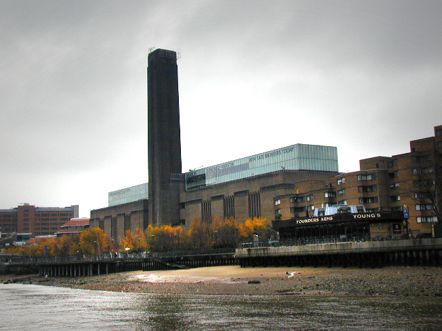 Bankside, Founders Arms and Tate Modern