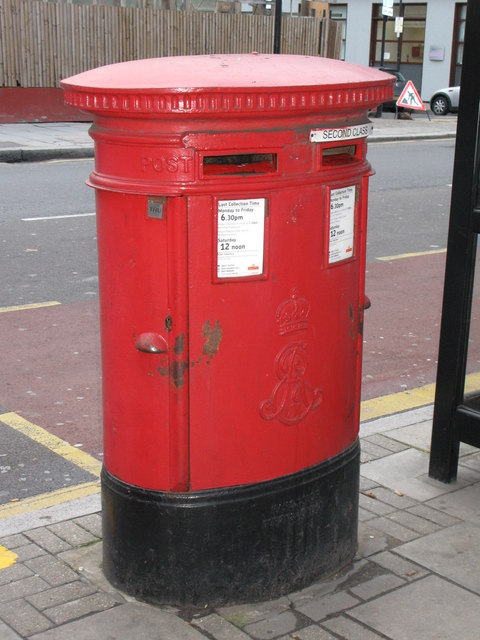 Edward VII postbox, Goswell Road / Old Street, EC1