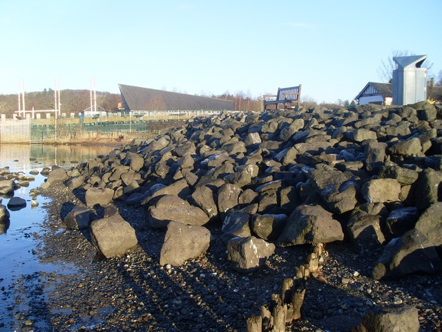 Rocky Loch Lomond shoreline