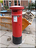 """TQ2686 : """"Anonymous"""" (Victorian) postbox, Vale of Health, NW3 by Mike Quinn"""