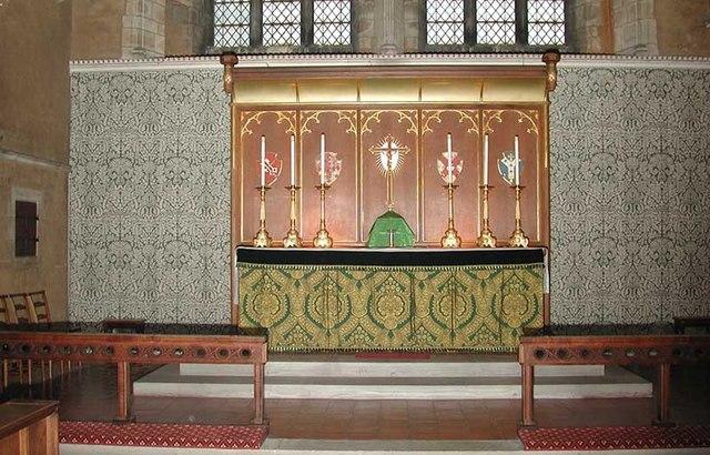 St Luke, Westmount Road, London SE9 - High altar