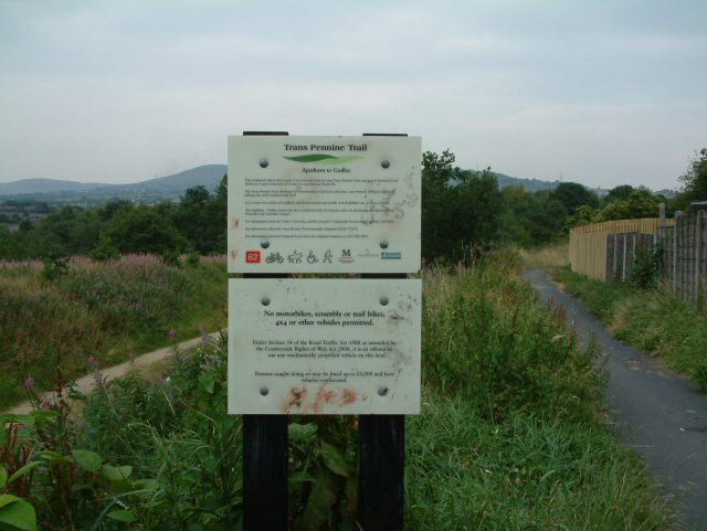 Access to Trans Pennine Trail