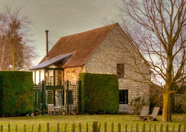 West Barn Hinxworth Place