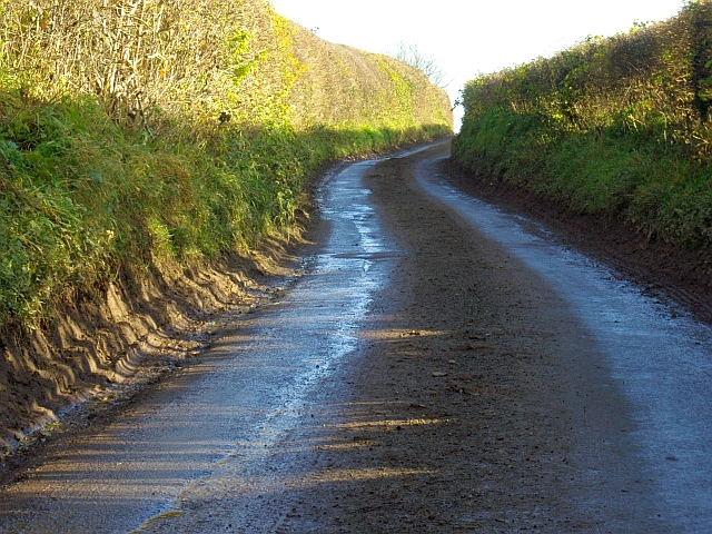 Road to Bromesberrow, near Clenchers Mill