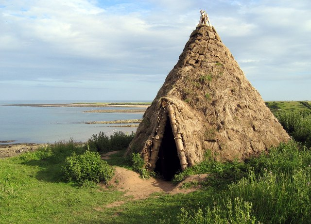 Reconstructed Mesolithic Round House 169 Andrew Curtis Cc By