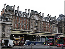TQ2879 : Victoria Station, SW1 by Mike Quinn