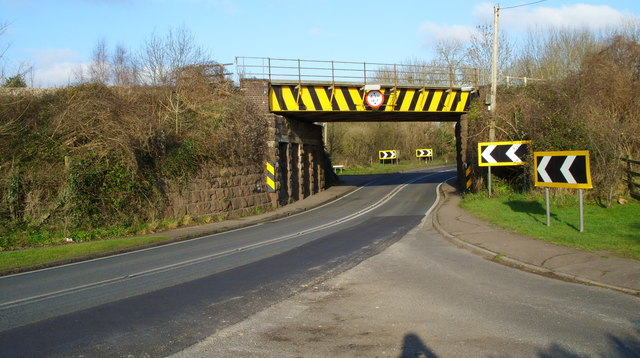 Railway bridge near Broadoak