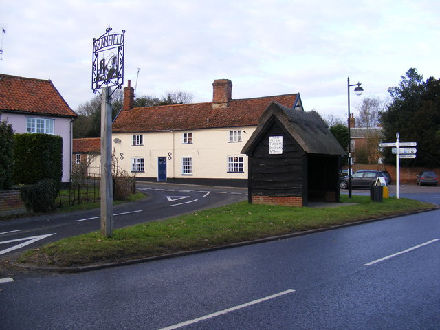 The Queens Head Public House & Village Sign