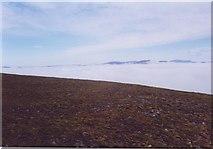 NN9483 : Cloud sea from Sgarsoch Beag ridge. by PeterJG1970
