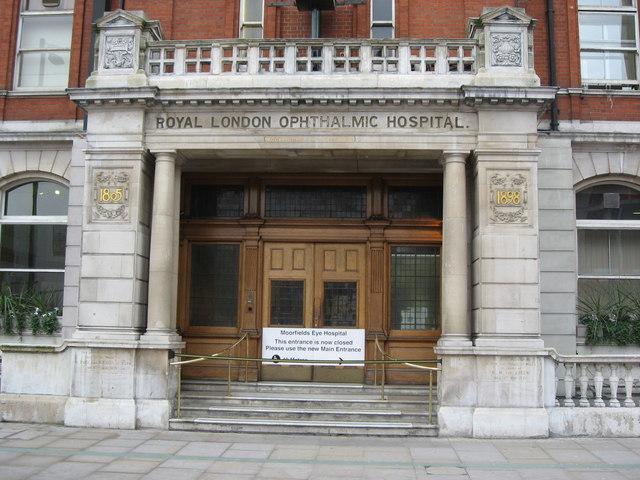 The (former) main entrance to Moorfields Eye Hospital, City Road, EC1