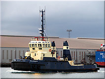J3576 : Tug 'Willowgarth' in Belfast by Rossographer