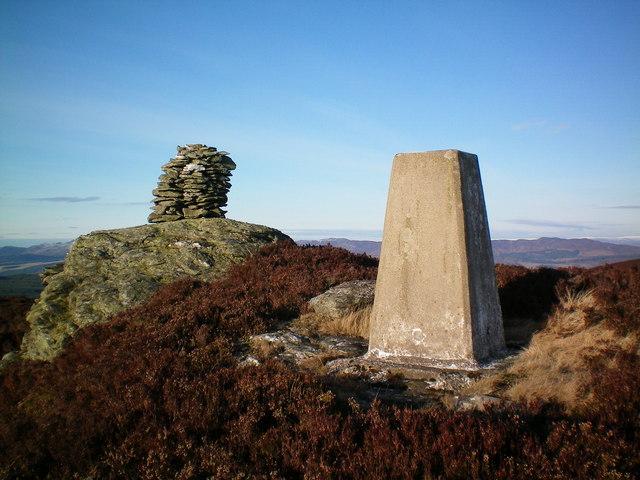 Craig Lochie summit