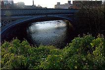 NS5666 : Partick bridge, Glasgow by Mike Pennington