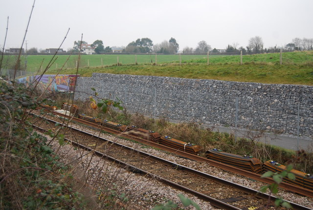 Railway & National Cycleway 2 pass through a cutting