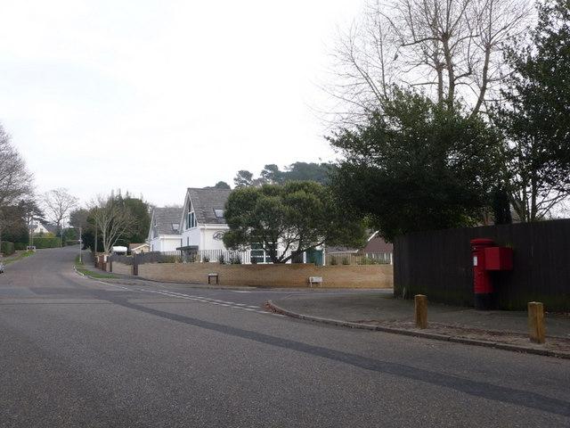 Parkstone: postbox № BH14 202, Elgin Road