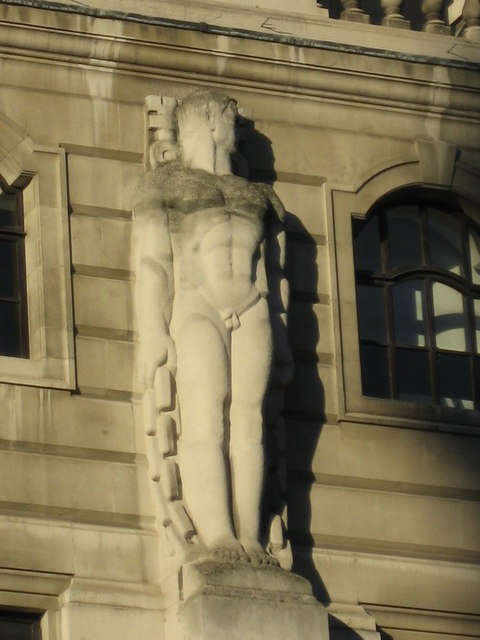 Statue on the facade of the Bank of England