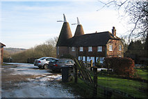 TQ6128 : Cinderhill Farm Oast, Rushers Cross, Mayfield, East Sussex by Oast House Archive