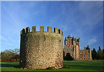 NO3847 : West tower, Glamis Castle by Dan