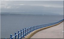 NS2677 : Looking across the Clyde by Jim Webster