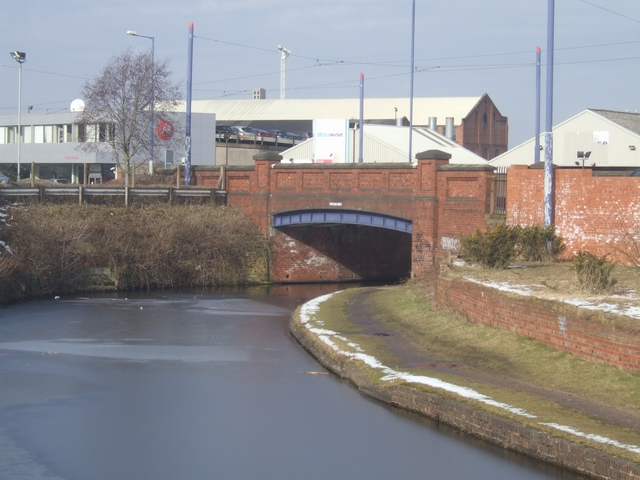 Bilston Road Bridge - Birmingham Main Line Canal