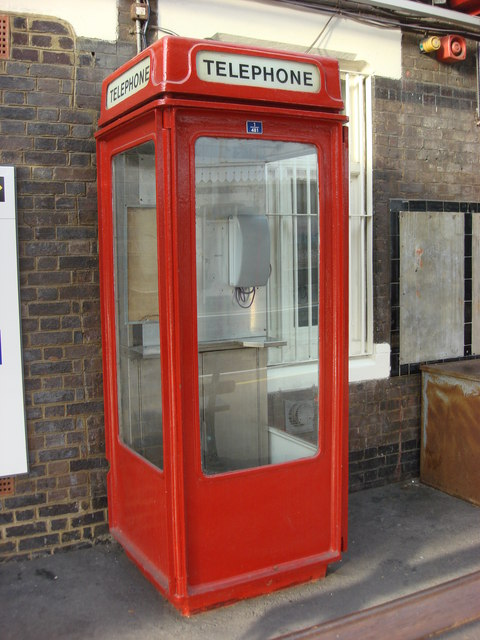 K8 Telephone Box Amersham station