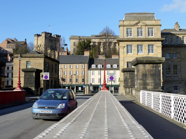 The Castle Keep and Moot Hall above Sandhill from the Swing Bridge