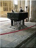 SU4829 : The font at Winchester Cathedral by Basher Eyre