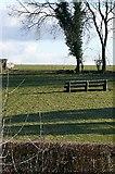 SU6479 : Paddock at Hill Bottom by Graham Horn