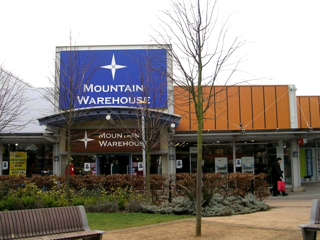 Mountain Warehouse - Junction 32