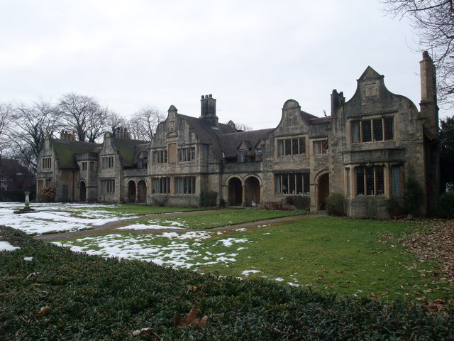 'The Winnings' almshouses