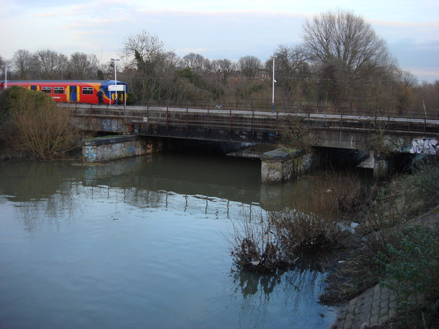 Railway bridge and platform over the River Ember