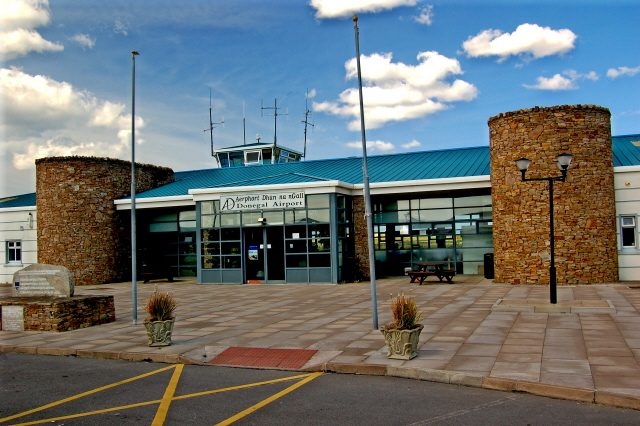 Donegal Carrickfin Airport - Terminal entrance