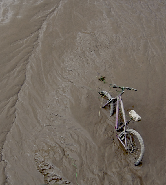 Stuck in the Mud, Hull