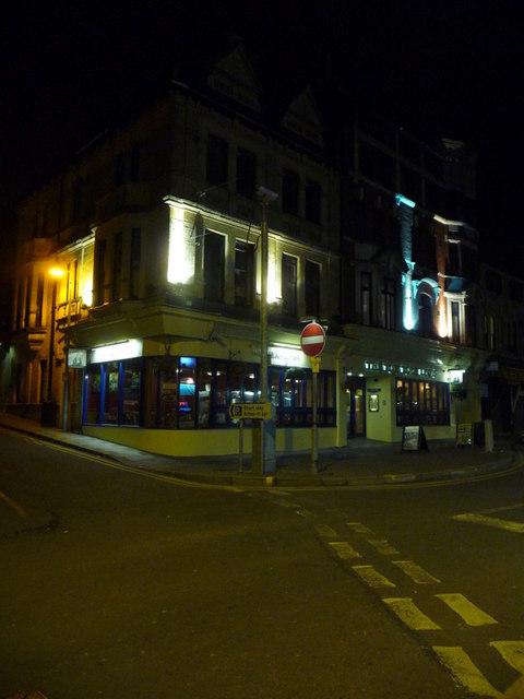 Newport: the Tom Toya Lewis