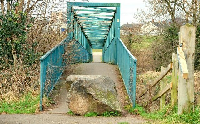 Footbridge near Dunmurry (1)