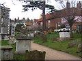 TM2749 : Churchyard, St Mary's Church, Woodbridge by Andrew Hill