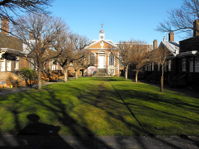 Trinity Green and Alms Houses  E1