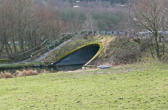 Moderna Way canal bridge, Mytholmroyd