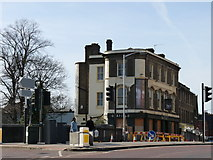 TQ3266 : The Oakfield Tavern, Croydon by Peter Trimming