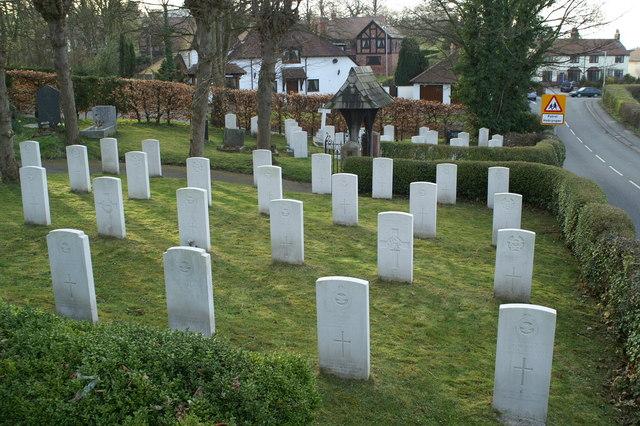 Military graves, St Deiniol's graveyard