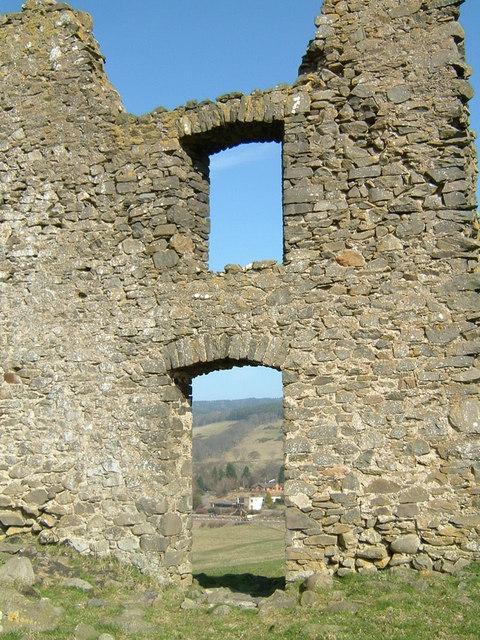 Horsbrugh Castle