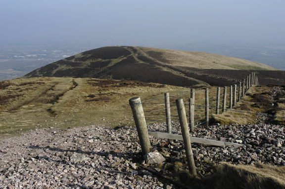 Fence and path, Caerketton Hill