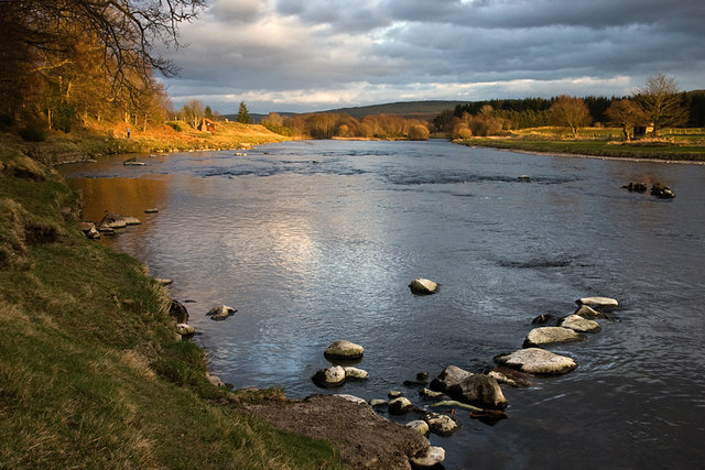 Evening light on the River Dee near Crathes Castle