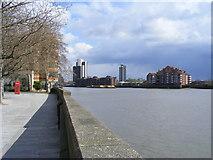 TQ2977 : View across River Thames toward Nine Elms by PAUL FARMER