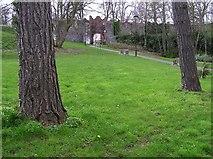 J2764 : Near Castle Garden, Lisburn by Kenneth  Allen