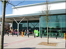 TL8364 : It's open. First customers at Asda. by John Goldsmith